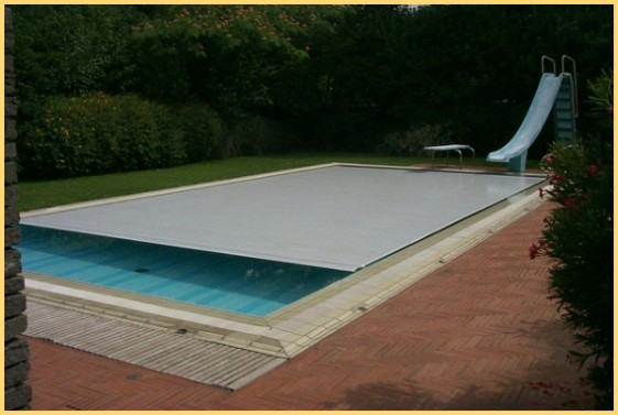 Coperture automatiche rigide per piscine chemical pools for Piscine rectangulaire rigide
